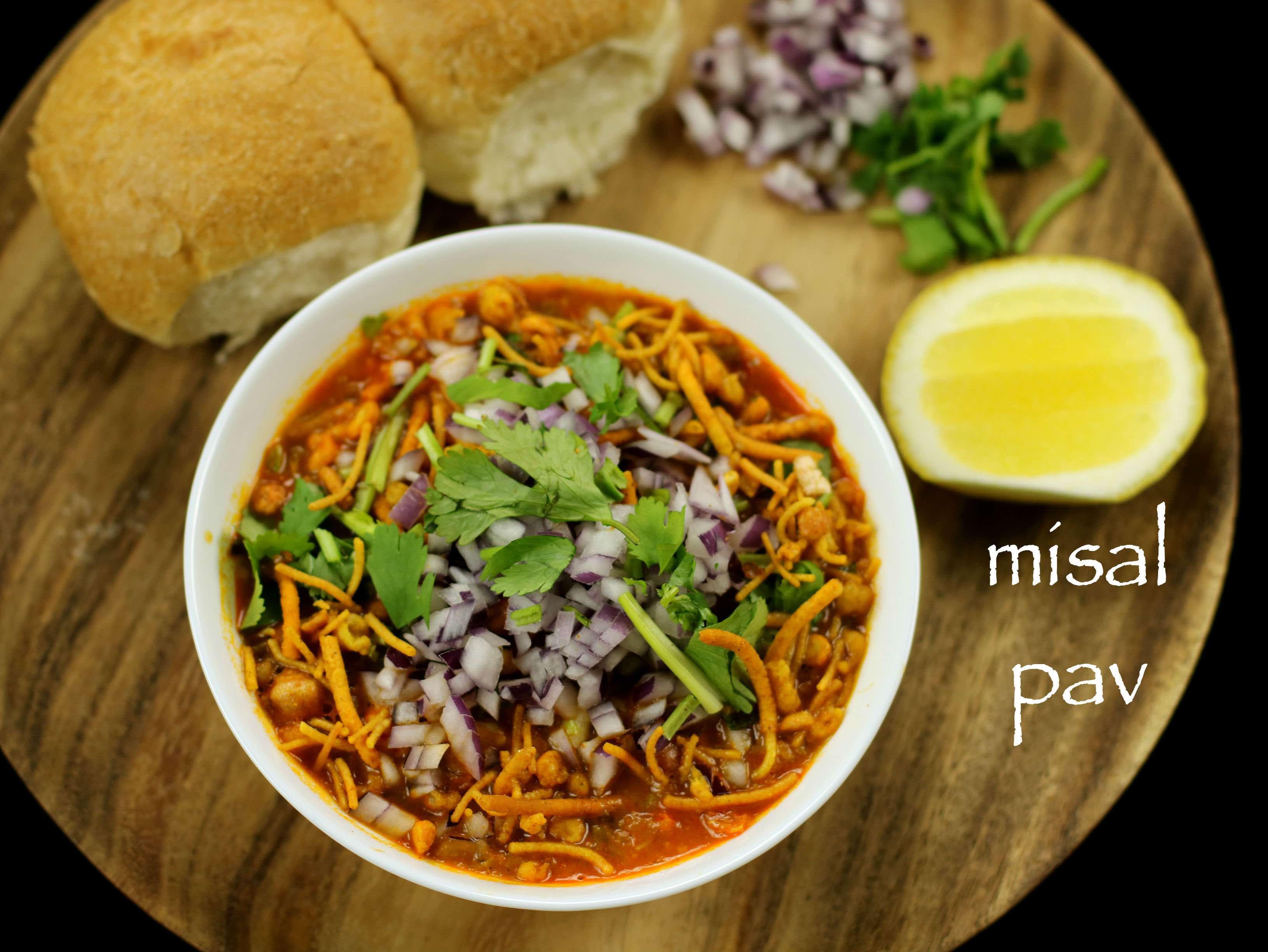 Misal pav recipe | how to make maharashtrian misal pav ...