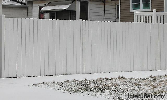Simple White Wood Fence Picture Interunet Painted Wood Fence