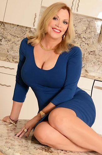 briggsdale milf women 105maturescom - awesome collection with older mature women, hot mature ladies and sexiest naked mature women.