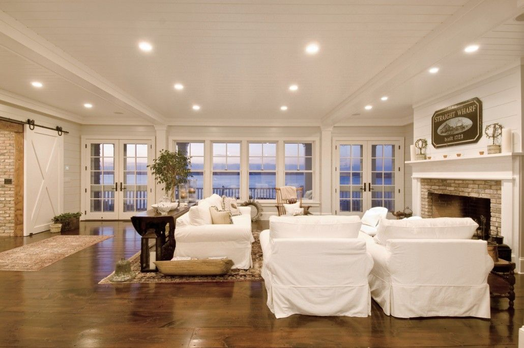 Hamptons style beachhouse living room my house 39 s gonna for Hampton style beach house plans