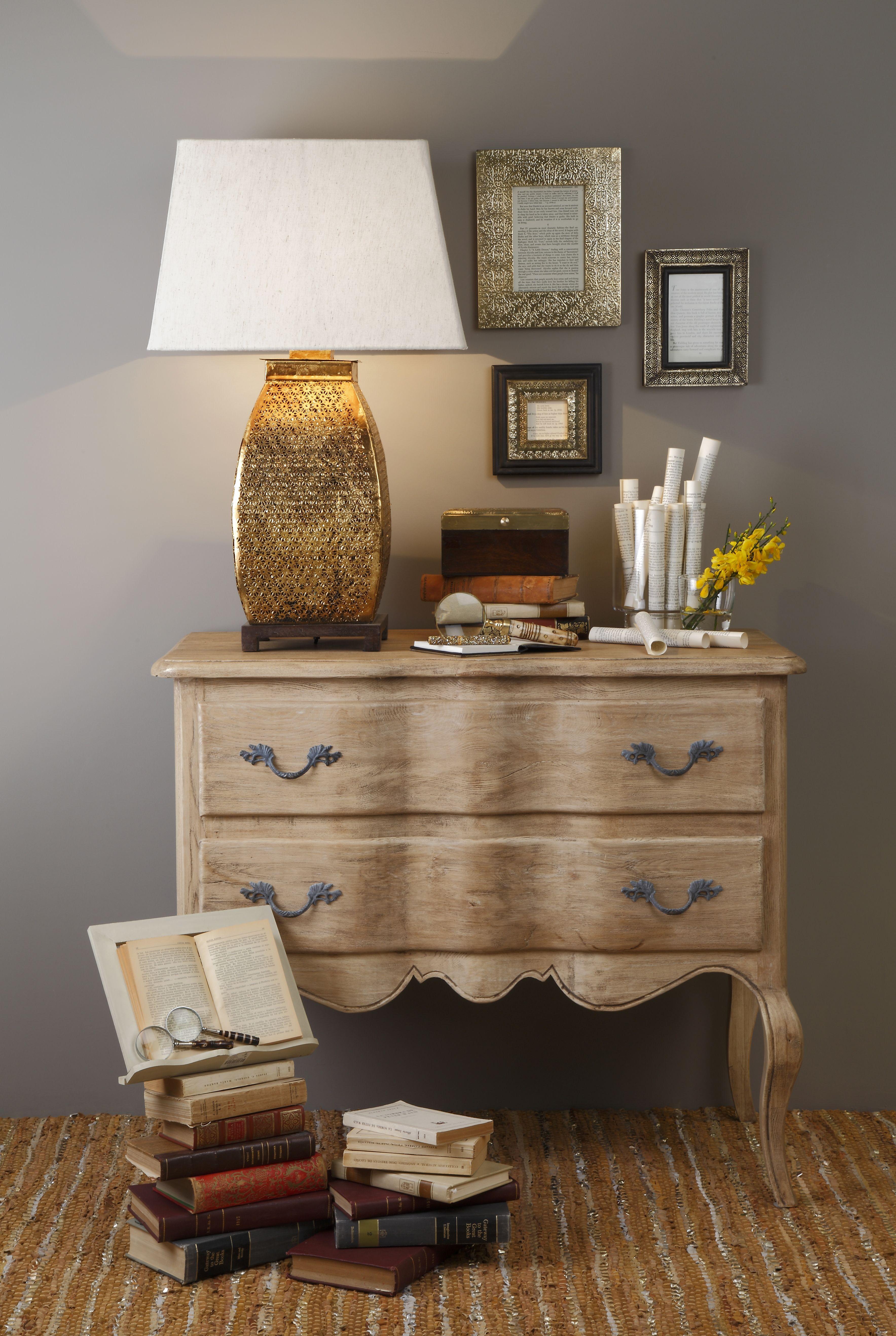 Ideas de decoraci n con hojas de libros antiguos for Portico muebles