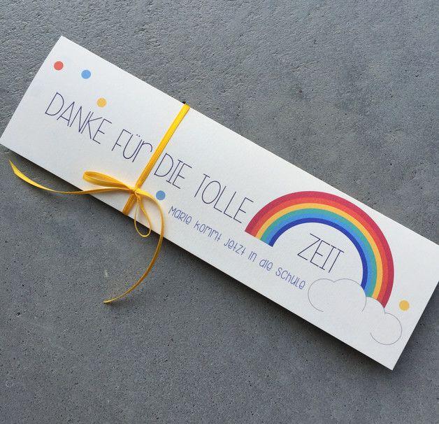 Kleine, feine Geschenkidee um den Kindergartenfreunden und/oder Erziehern/innen auf Wiedersehen zu sagen und sich für die tolle Zeit zu bedanken. Die kleine Papiertasche ist dreifach gefaltet und...