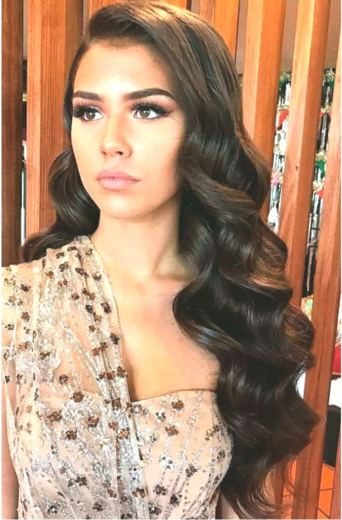Look Curlyhairstylesforprom Styles For Prom Hochzeitsfrisuren Curlyhairstylesforprom Prom Styles Wav Hair Styles Front Hair Styles Wedding Hair Down