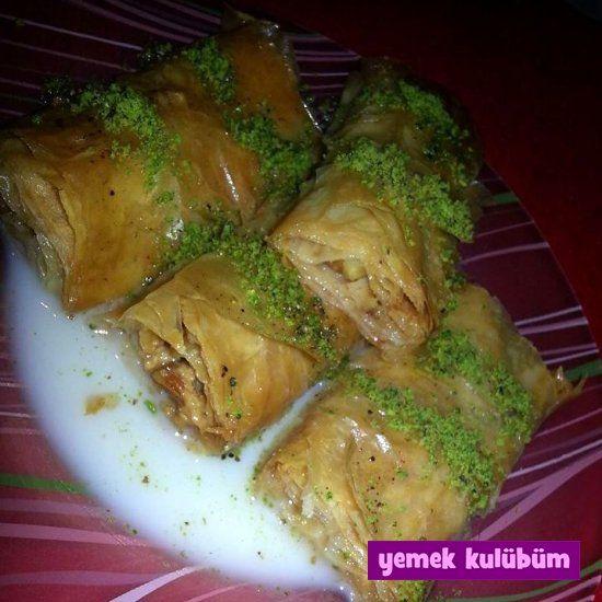 TARİF : Sütlü Nuriye   kolay pratik sütlü nuriye tarifi yapılışı nasıl yapılır, farklı değişik sütlü şerbetli tatlı tarifleri, Osmanlı Türk mutfağı geleneksel tatlı yemek tarifleri