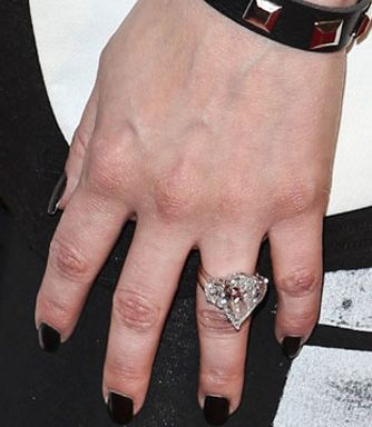 Lovely #Avril Lavigne Engagement Ring #celebrity Engagement Ring