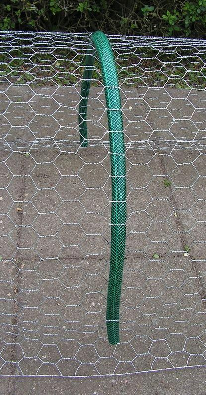 23) Protecting strawberries from birds (wire netting and birds net)