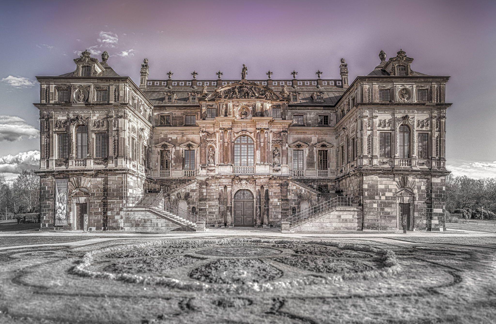 Palais Im Grossen Garten Photo Building Garten