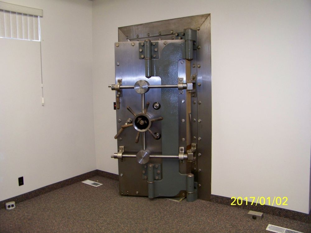 York Bank Vault Door Gun Room Vintage Safe Room Vault