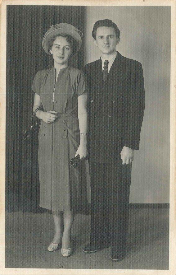 1924 er ffnete michael fischer gemeinsam mit seiner frau julie der gro vater des heutigen. Black Bedroom Furniture Sets. Home Design Ideas