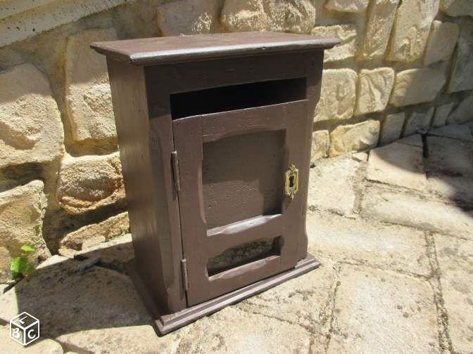 boite aux lettres ancienne en bois ameublement h rault. Black Bedroom Furniture Sets. Home Design Ideas
