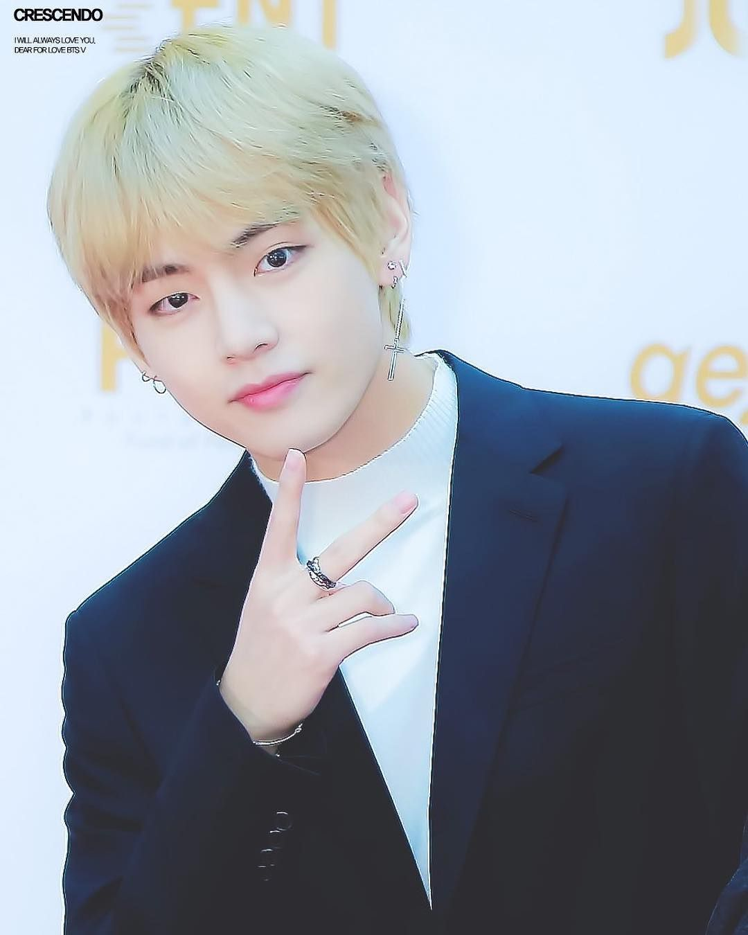 Top 10 Most Handsome K Pop Male Idols 2021 Handsome Kim Taehyung American Music Awards