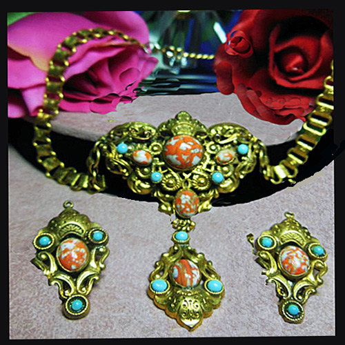 Vintage Enchanting necklace and earrings. by VINTAGEJOOLSFORYOU