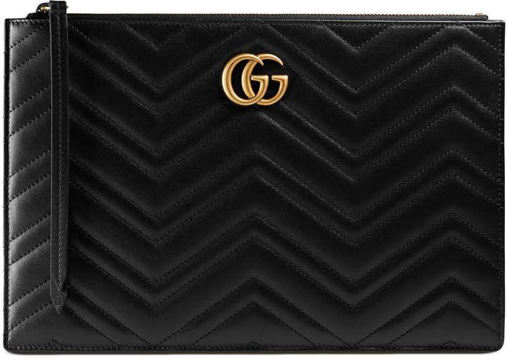 4de0c89b5ffb GG Marmont matelassé leather pouch #gucci #marmont #matelasse #leather  #leatherpouch #leather #clutch #purse #ad