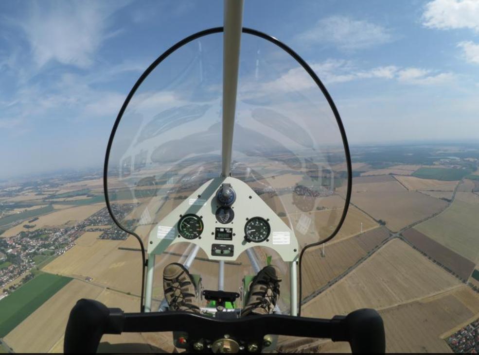 The AEROLiTE 120 is a motorised, singleseater, three axis