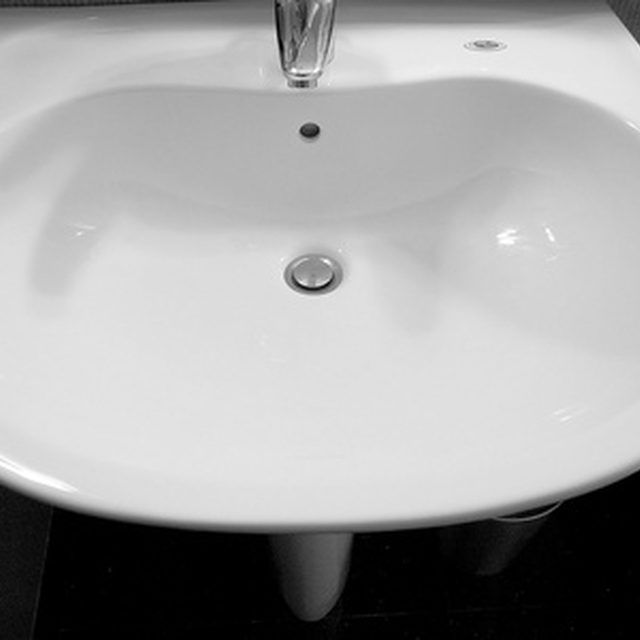 How To Repair A Ceramic Sink With Images Ceramic Sink