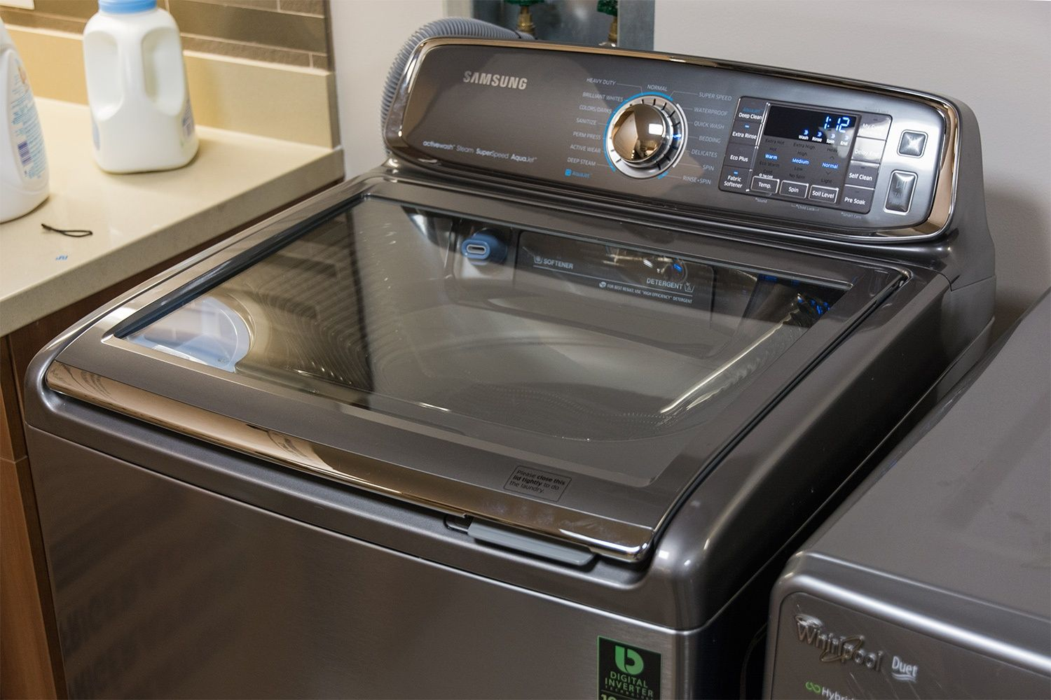 Futuristic Or Old School This Samsung Washer With A Hand Washing Sink Is Both Lavadora Samsung Lavadora Samsung