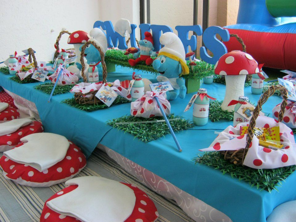 smurfs party by anniversaire schtroumpf pinterest anniversaires en. Black Bedroom Furniture Sets. Home Design Ideas