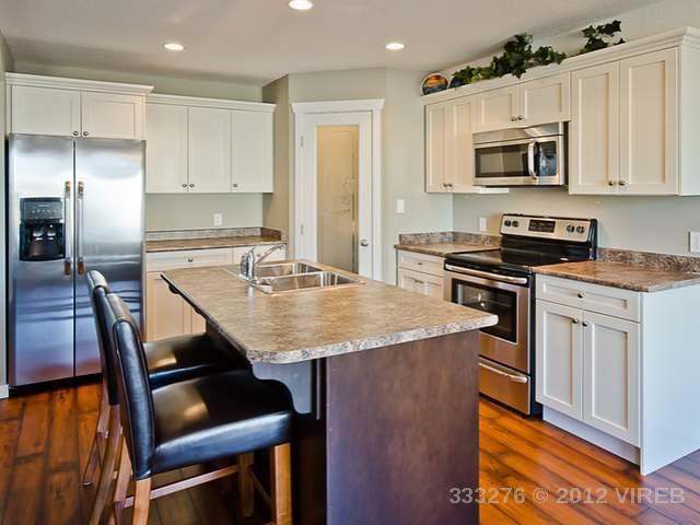 2 tone kitchen love & 2 tone kitchen love | Home Design Ideas | Pinterest | Kitchens Door ...
