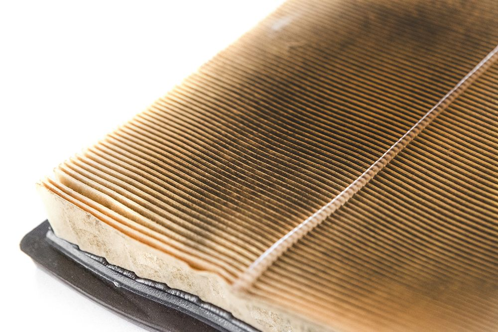 How Does a Clean Air Filter Improve Engine Performance