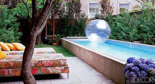 15 propuestas de piscinas para espacios for Diseno de piscinas en espacios pequenos