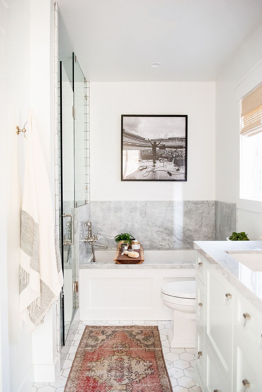 This California Bungalow Will Make You Want To Move Out West Bungalow Bathroom Home California Bungalow
