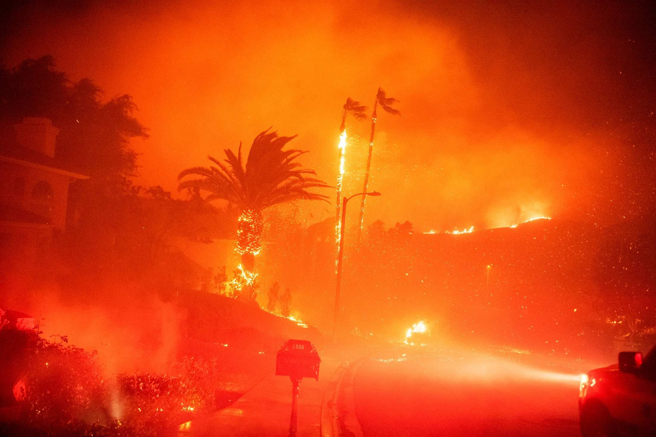 Los Angeles Fire Season Is Beginning Again And It Will Never End Fire Los Angeles California