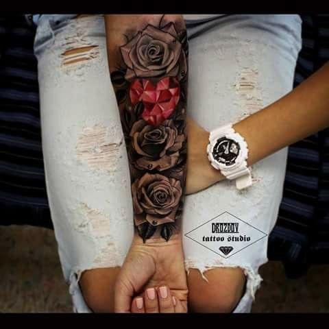 Tatuaż Na Ręce Róże Tatuaże Pinterest Tattoos Sleeve Tattoos