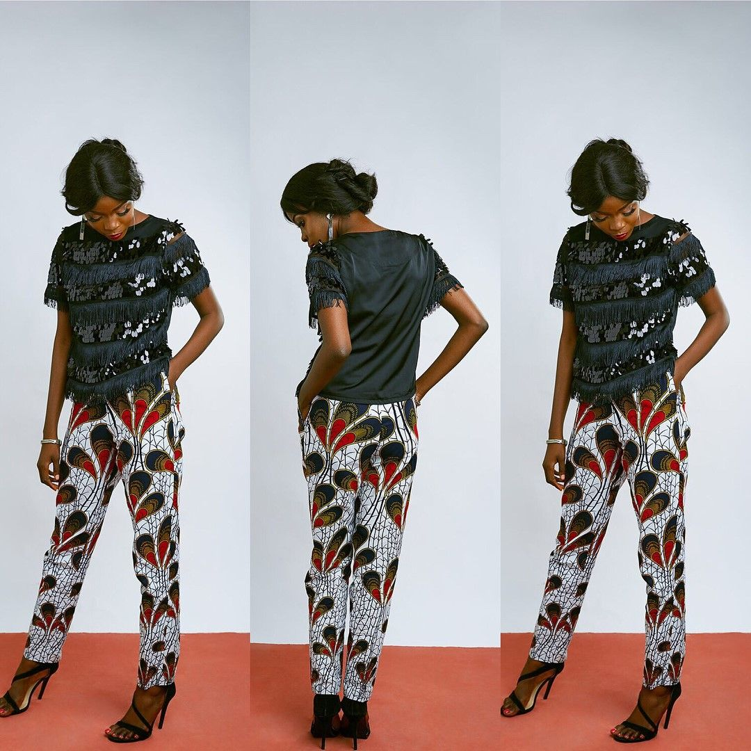 There are a number of ways to enable oneself stand out with an Asoebi style, Even if you are thinking of what to create and slay with an Nigerian Yoruba dress styles. Nigerian Yoruba dress styles for weddings come in a lot of patterns and designs.   The Ankara designs beauty of this print is that it comes in many designs and textures. Ankara will permit you create a match of any fabric without losing the Ankara designs flair. #nigeriandressstyles