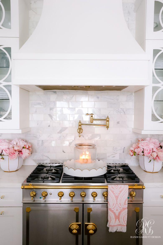 Valentine's Day Kitchen Tour - Randi Garrett Design    #whitekitchen #whitemarble #marblecounter #marblecountertops #whitetransitionalkitchen #beautifulkitchen #shakercabinets #whitecabinets #whitekitchencabinets
