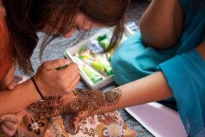 Sharing the gospel through henna
