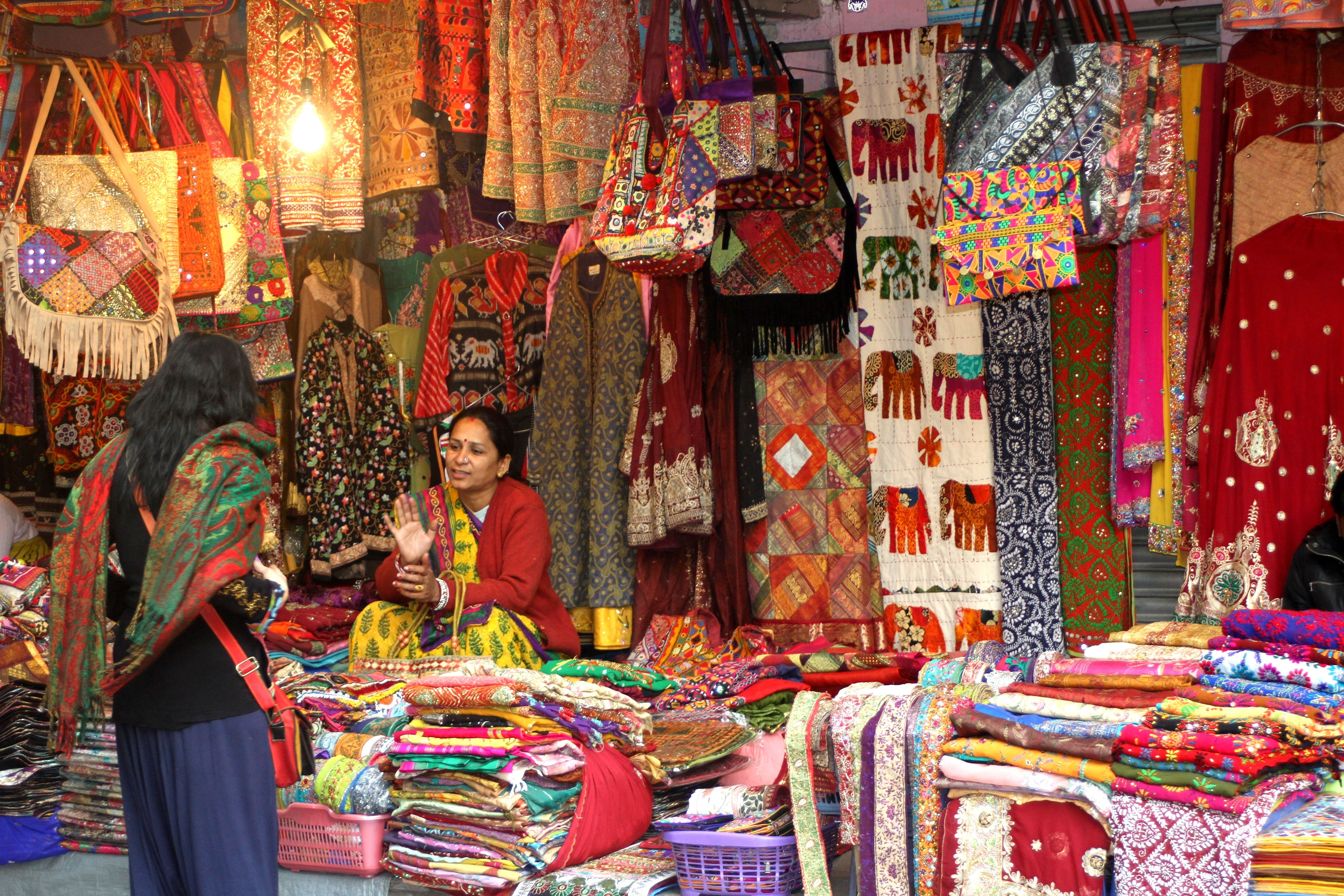 Janpath Market New Delhi Janpath Delhi In 2019 New