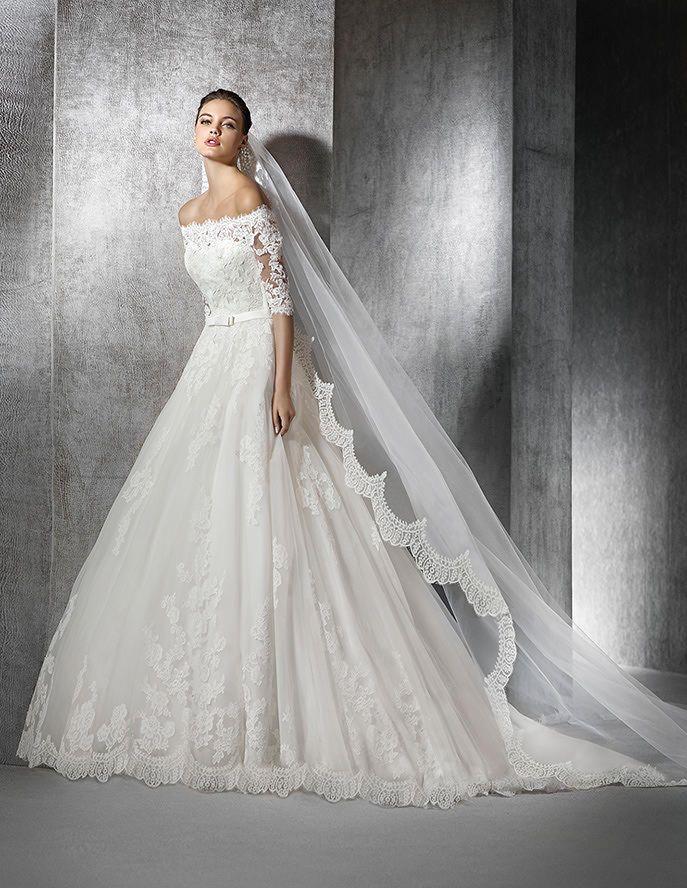 Zureda, Brautkleid im Prinzessin-Stil mit Carmen-Ausschnitt ...