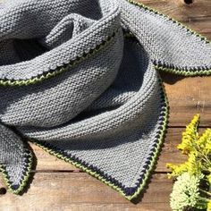 Photo of Striang Triangular Scarf Traditionelle Schal Anleitung