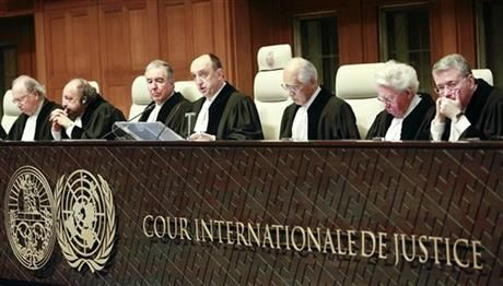 Judges from left: Mohamed Bennouna, Ronny Abraham, vice president Bernardo Sepulveda-Amor, president Peter Tomka, Hisashi Owada, Kenneth Keith and Leonid Skotnikov prior to the start of public hearings at the International Court of Justice (ICJ) in The Hague, Netherlands, Monday, March 3, 2014. (AP Photo/Jiri Buller) ▼3Mar2014AP|Croatia accuses Serbia of genocide at UN court http://bigstory.ap.org/article/icj-croatia-accuses-serbia-genocide