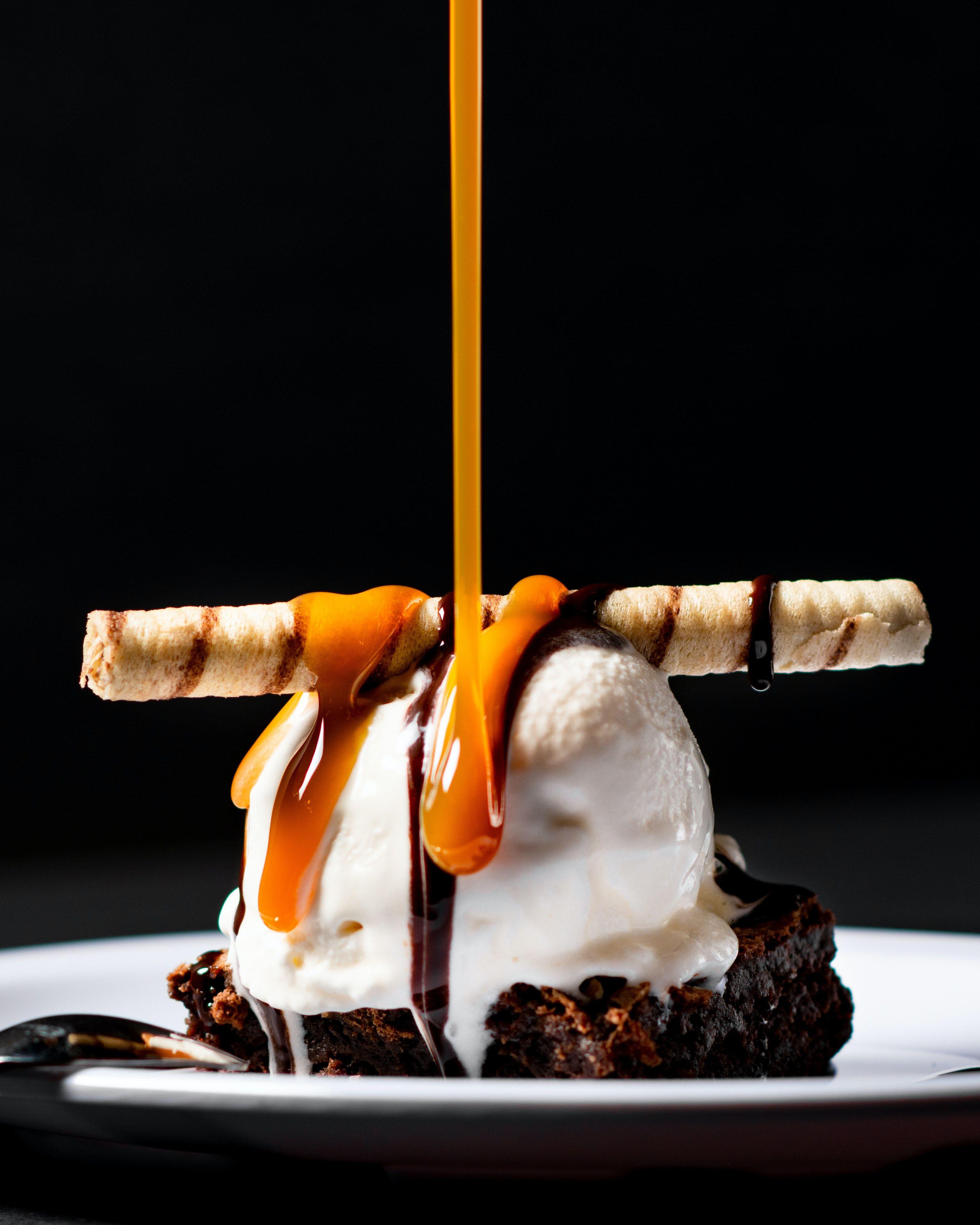 Browne With Ice Cream Dessert Recipes Desserts Dessert Recipes Easy