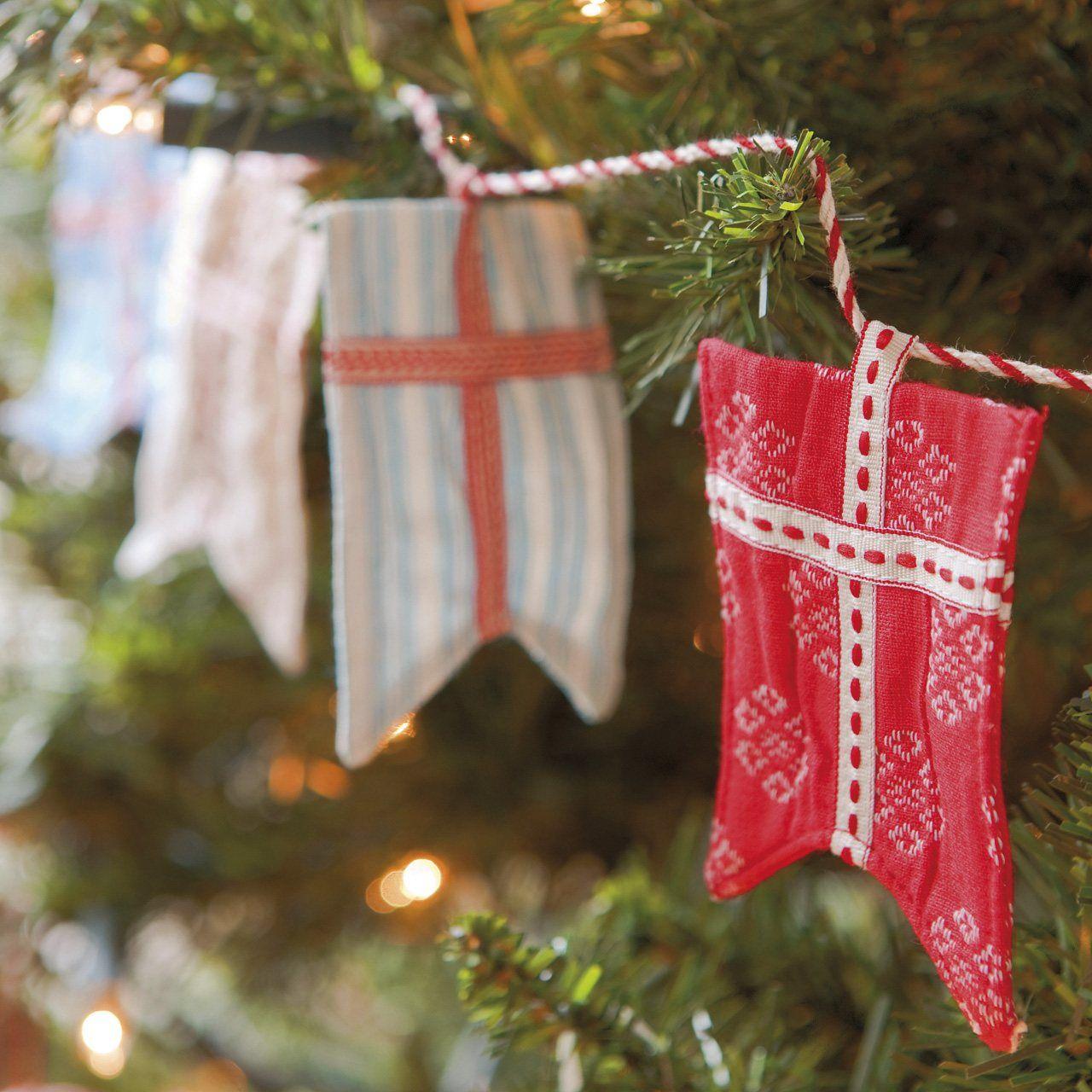 La guirnalda con banderas es de blaubloom son detalles for Cuales son los adornos navidenos