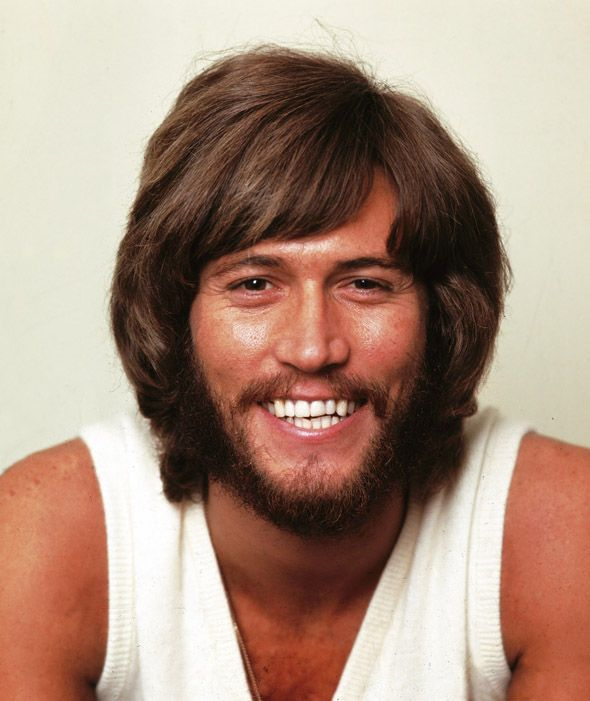 Barry Gibb Of The Bee Gees In Pictires In 2020 Barry Gibb Andy