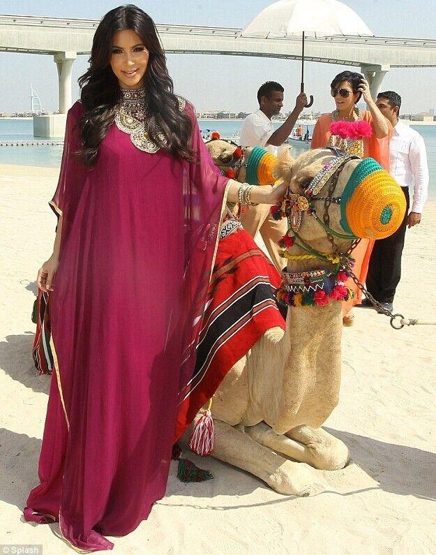 69ffa42514 kim kardashian moroccan kaftan Turkish Dresses Deep V Neck Long Sleeves  Evening Dresses Gold Beads Arabic Dubai Party Prom Gowns | Caftan |  Fashion, ...