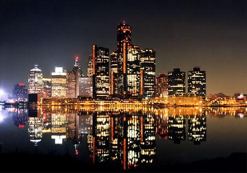Night Scene Of The Detroit Skyline Detroit City Detroit Skyline Detroit Michigan
