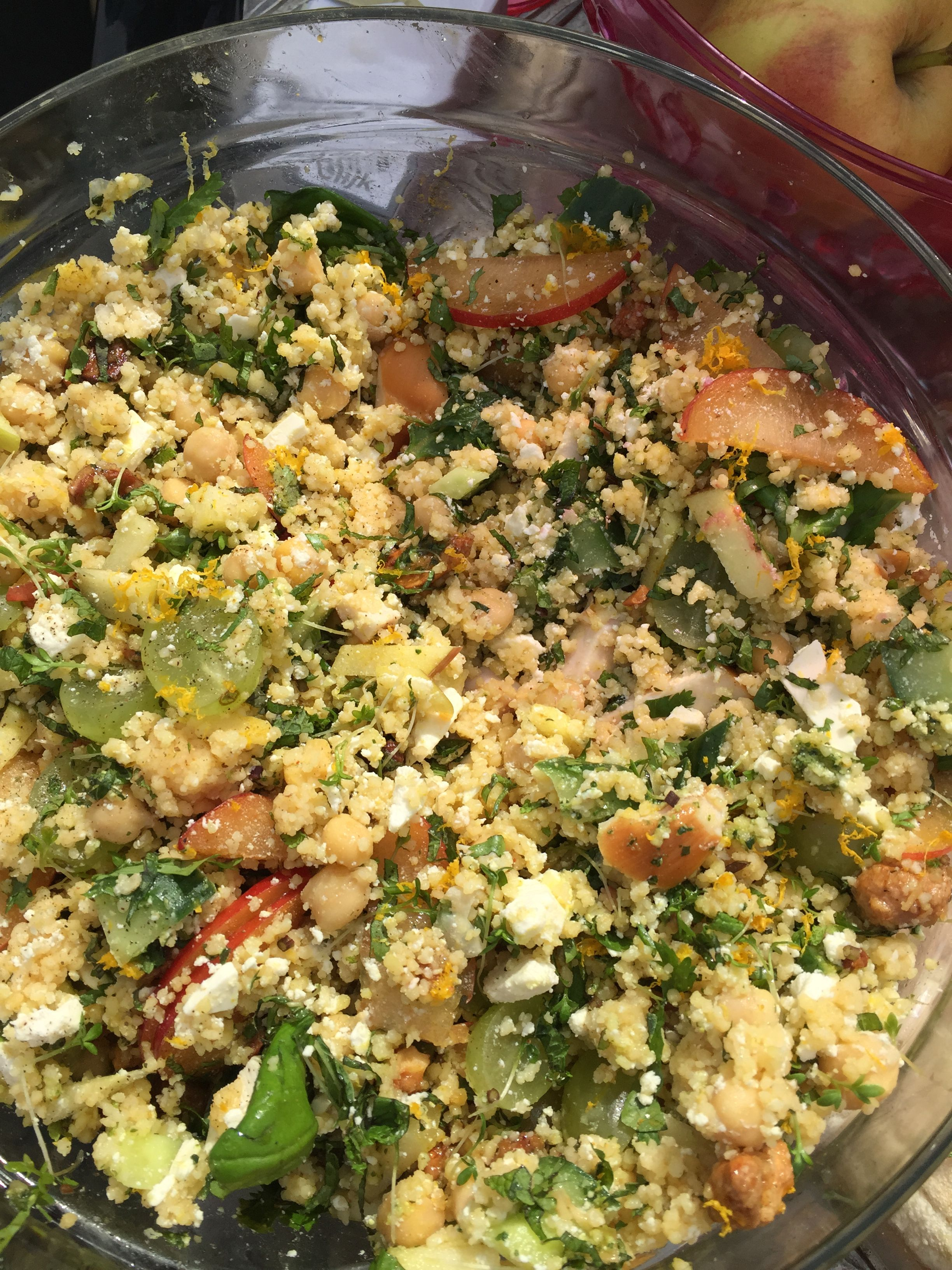 couscous feta appel kikkererwten zoete nootjes gerookte kip peterselie koriander bosui druiven selderij