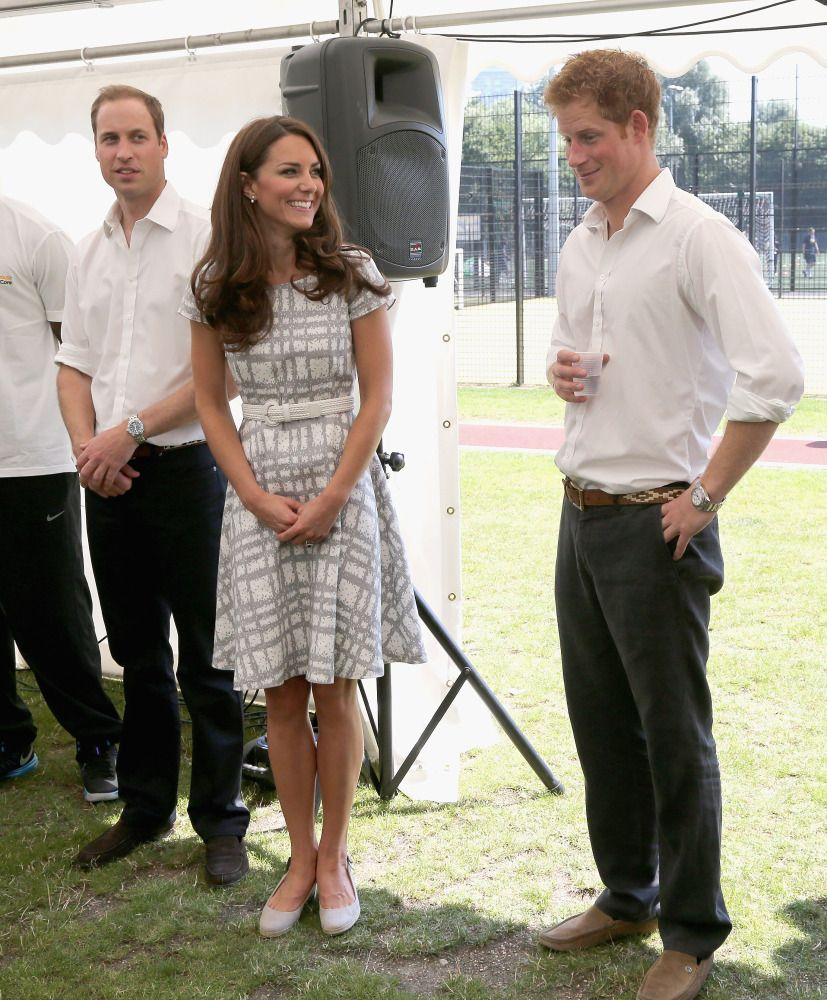 Kate! Stop giving Harry those adoring looks, again.