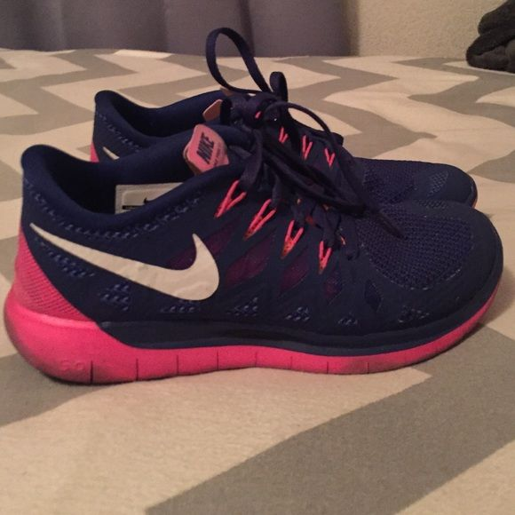 86929a2d1ba7 Nike free 5.0 womens shoes size 6.5 Bright pink and blue nike free 5.0  womens running