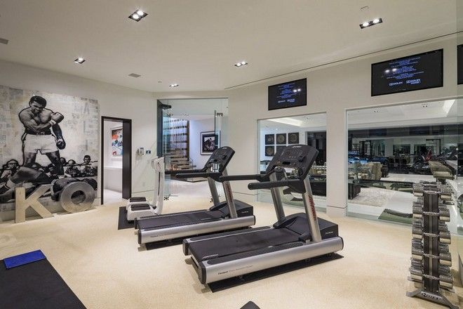 Inside Celebrity Homes: Beyoncé And Jay Z LA Mansion   #celebritiesathome  #celebrityhousepictures #. Hauseigenes Fitnessstudio ...