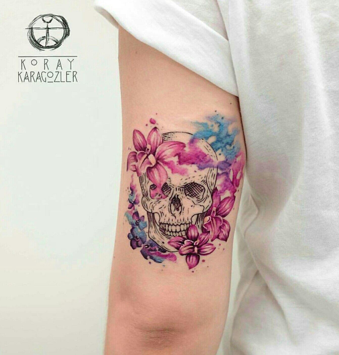 tatouage fleche tete de mort