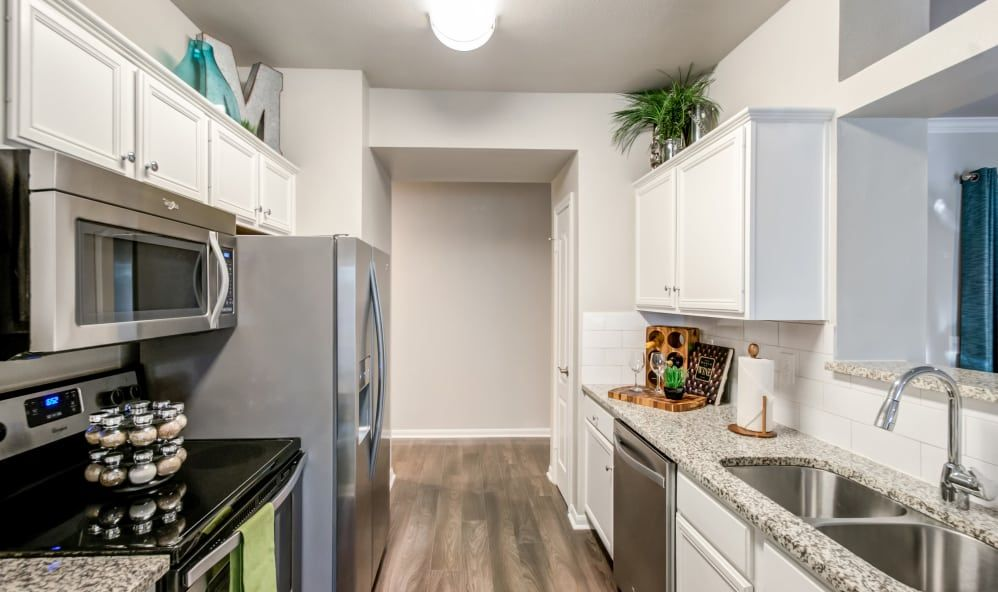 Photos of Meridian Apartments in San Antonio, TX | pine ...