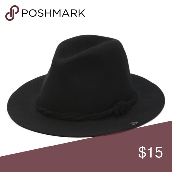 e8655034c7d Vans Dorance Hat Fits most head sizes. Mint condition. Vans Accessories Hats