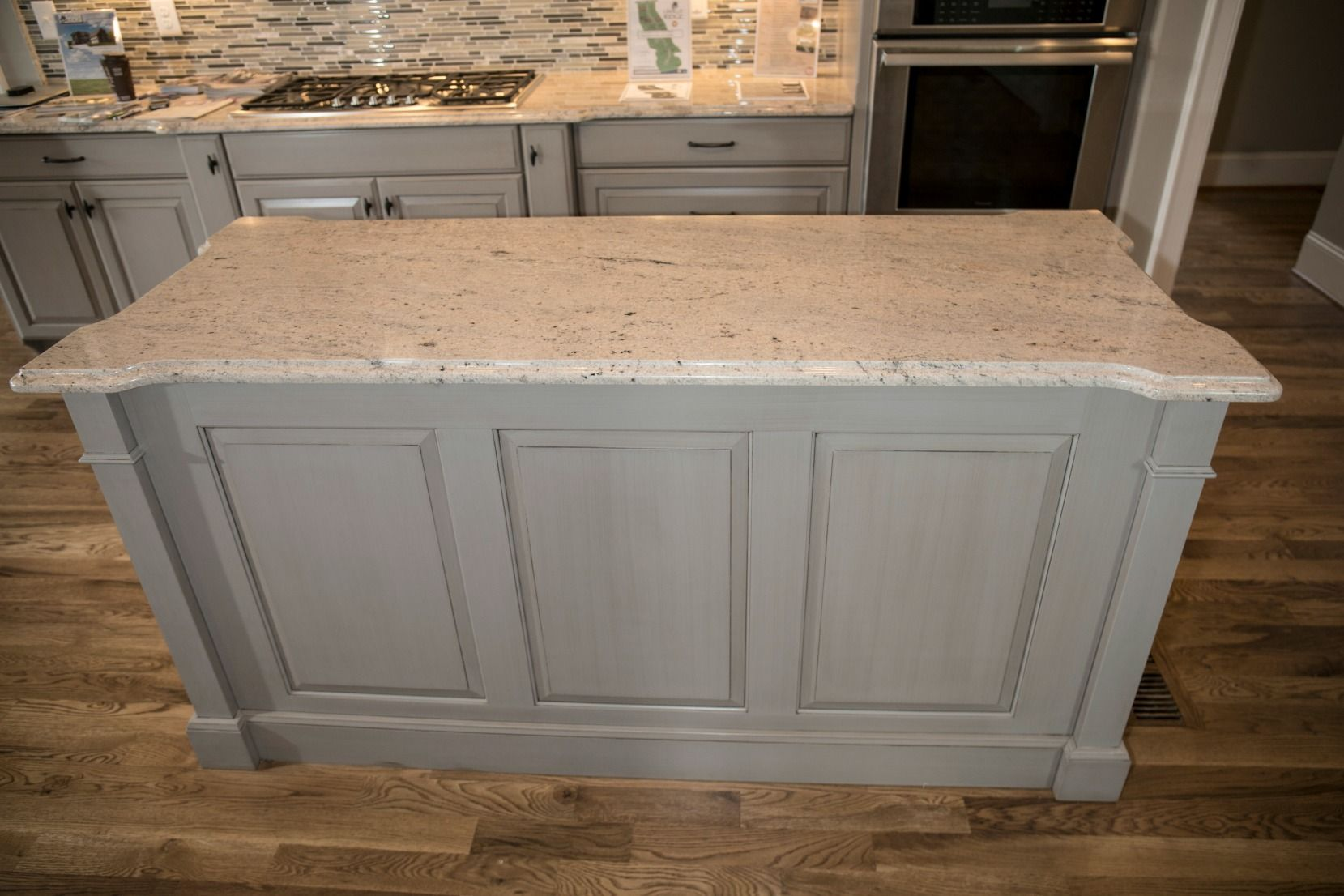 Knowledge Is The Key To Smart Design Featuring 12 Of The Most Popular Profiles And Two Countertop Color Choi Countertops Countertop Colours Stone Countertops