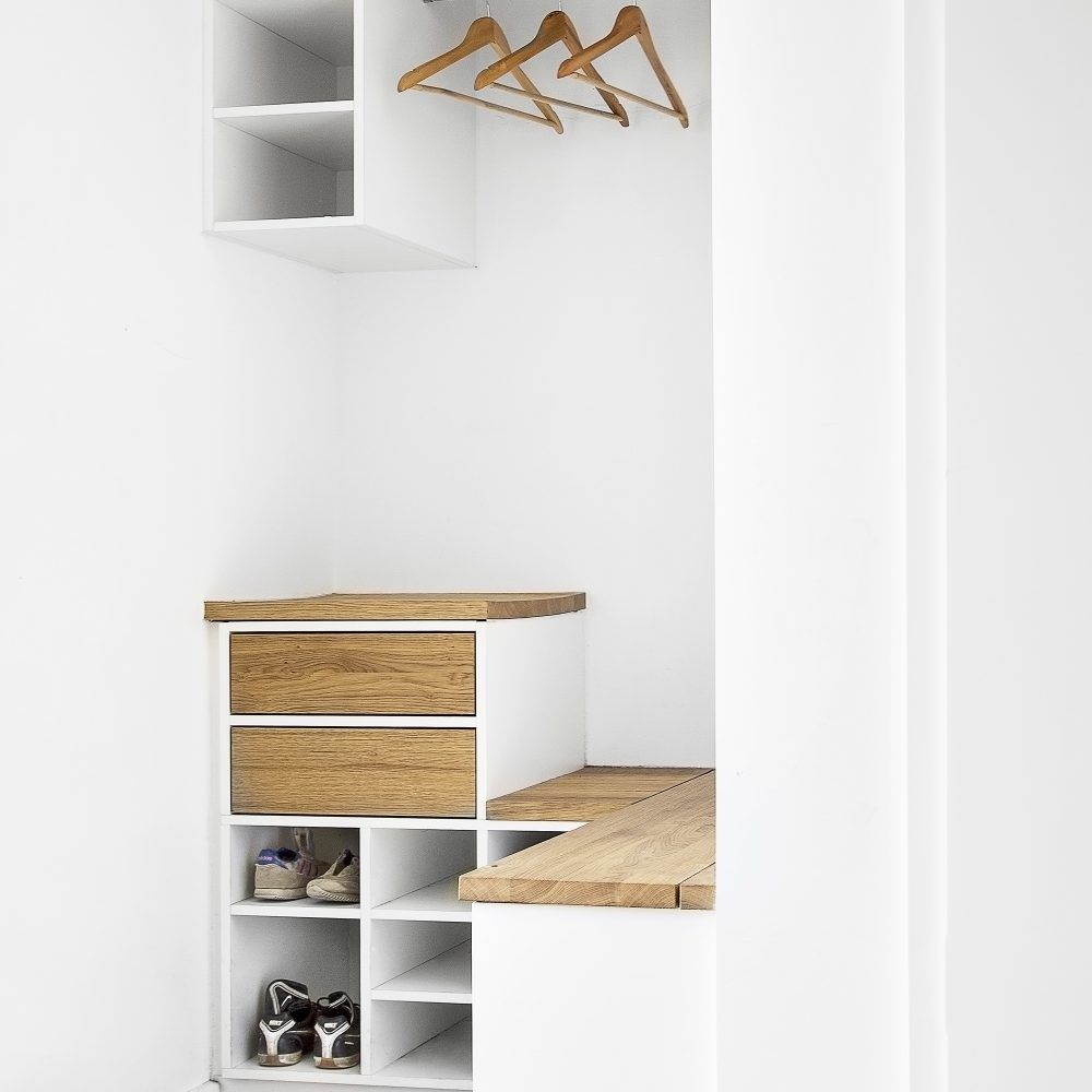unikate holzmanieren flat inspirations in 2019 garderobennische flure und kleine flure. Black Bedroom Furniture Sets. Home Design Ideas