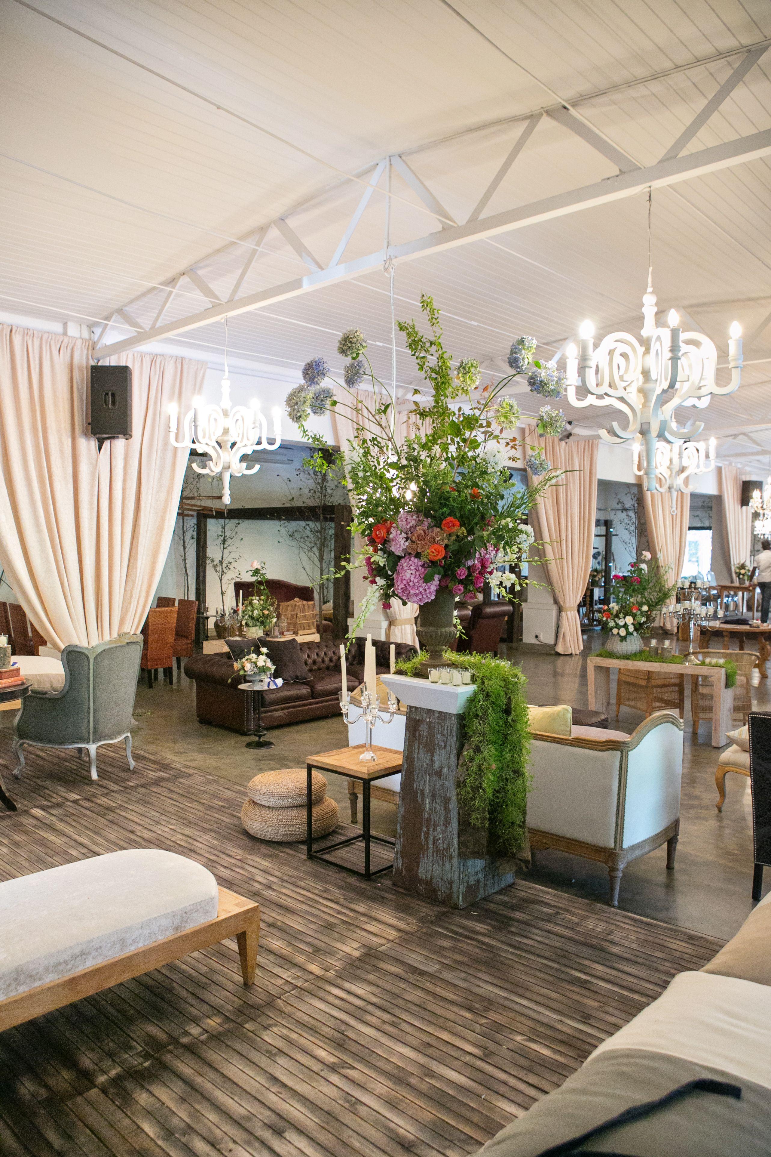 Okasie Lounge Pockets Decor Wedding Catering