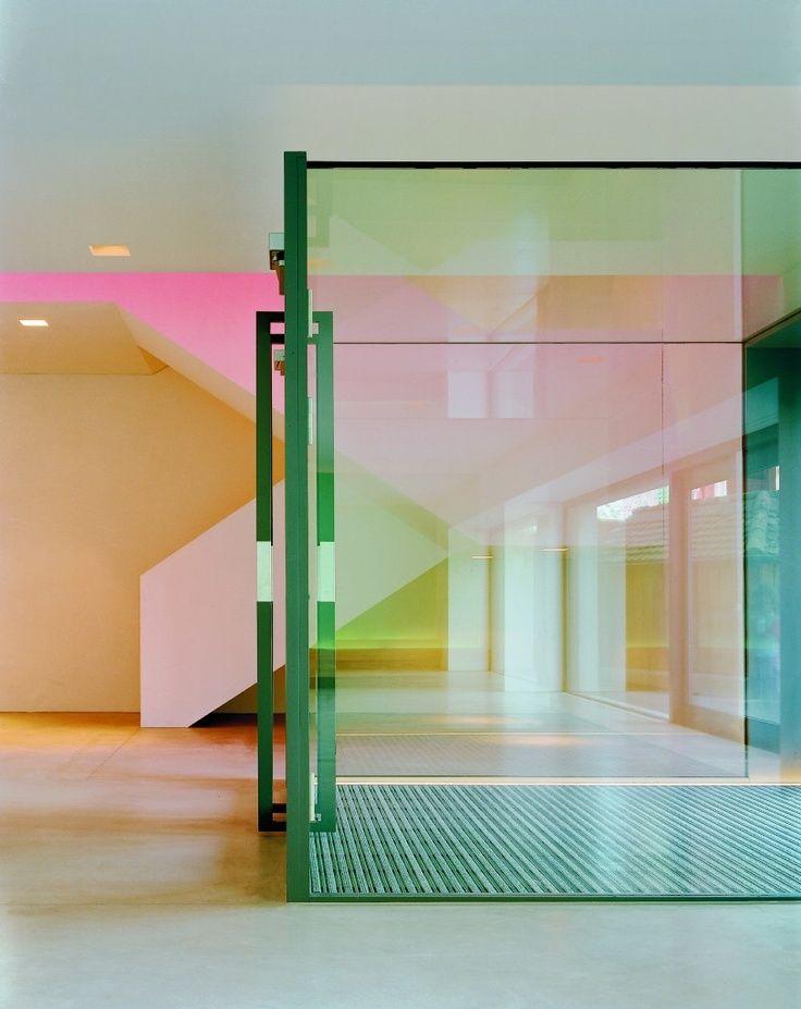 die besten 25 farbiges glas ideen auf pinterest gef rbtes glas farbige glasflaschen und. Black Bedroom Furniture Sets. Home Design Ideas